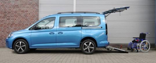 VW Caddy 5 z obniżoną podłogą i rampą.